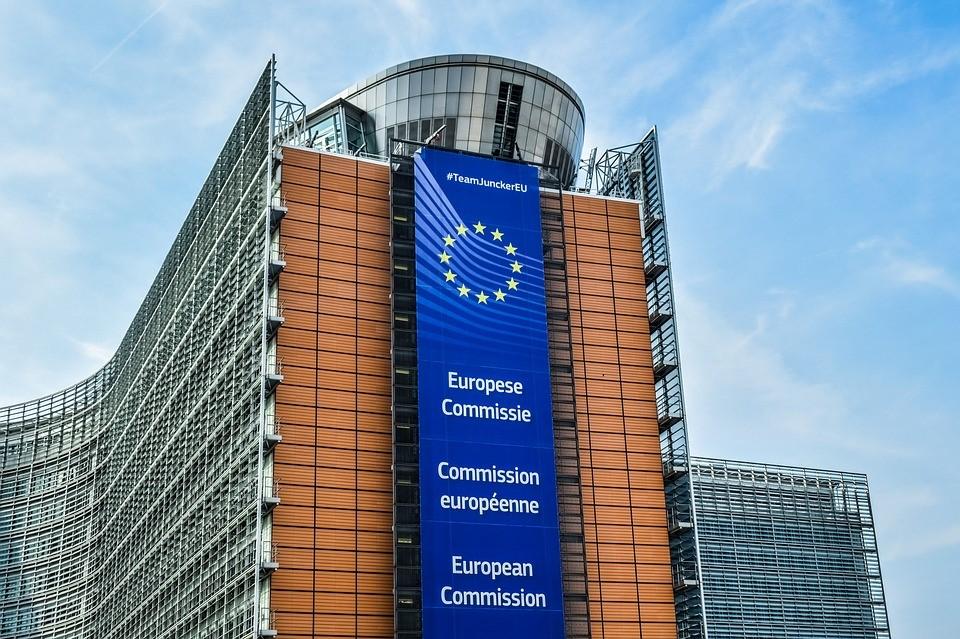 AGRICULTORES Y GANADEROS PIDEN AL GOBIERNO QUE RECHACE EL RECORTE DE 372,3 M DE € DE LA PAC 2021 PROPUESTO POR LA UE